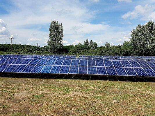 premium_solar_farm_1
