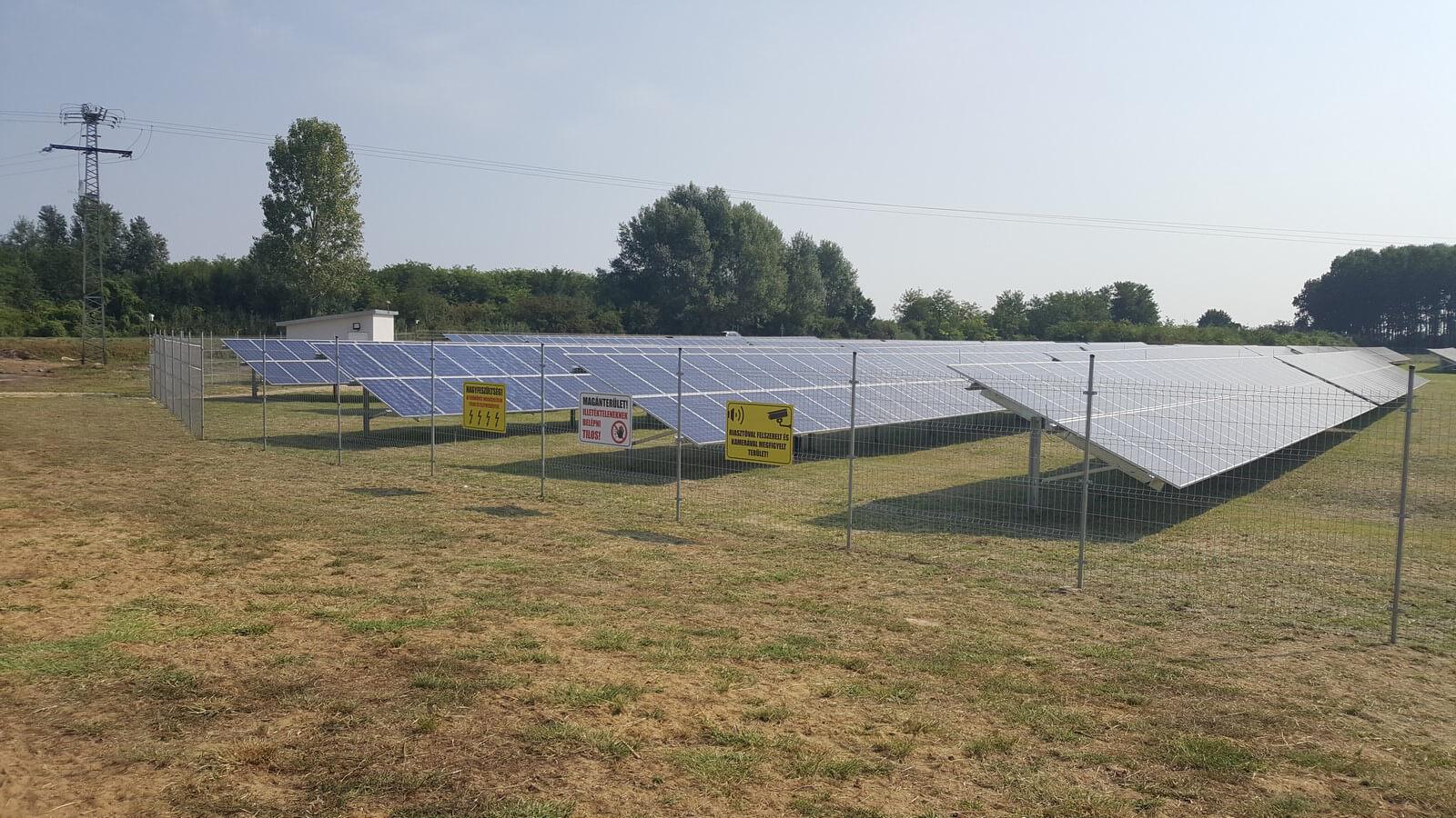 premium_solar_farm_7