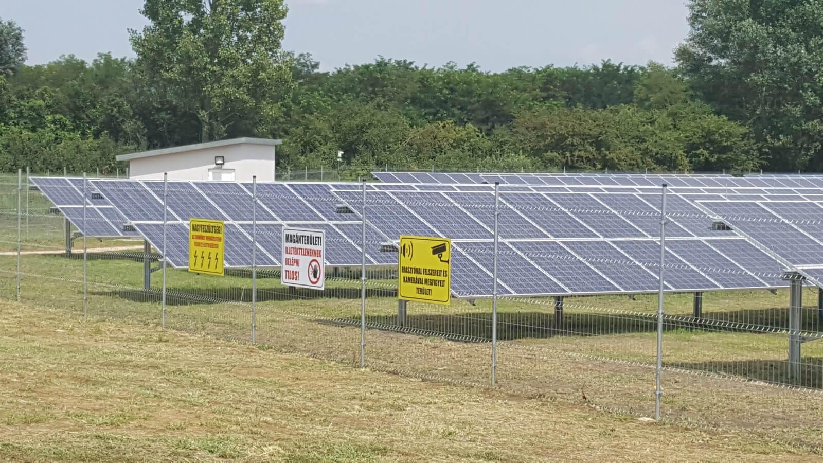 premium_solar_farm_9
